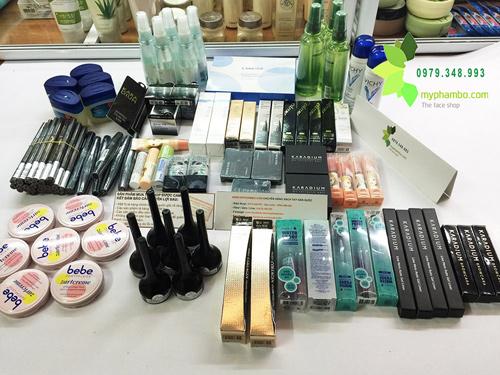 Shop-ban-my-pham-xach-tay-o-ha-dong-(4)