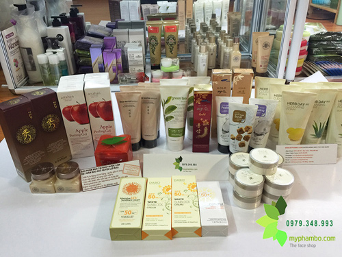 Shop-ban-my-pham-xach-tay-o-ha-dong-(5)