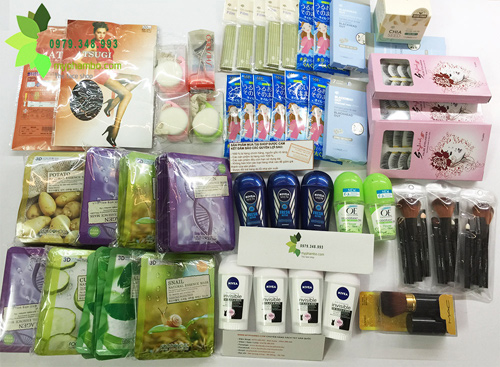 Shop-ban-my-pham-xach-tay-o-ha-dong-(8)