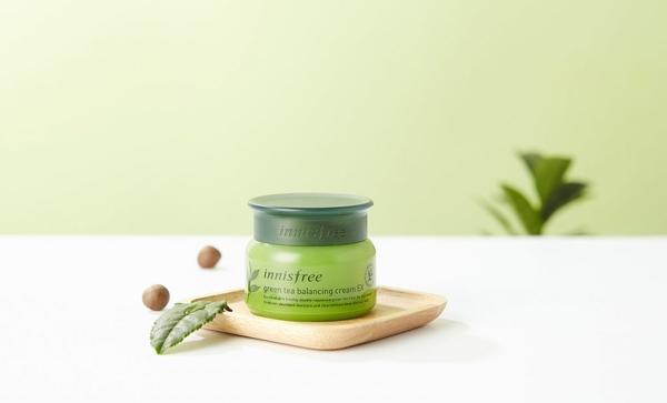 Kem duong da Tra xanh Green Tea Balancing Cream Innisfree (1)