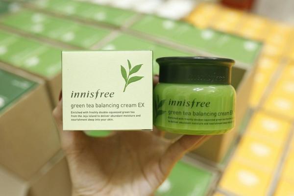 Kem duong da Tra xanh Green Tea Balancing Cream Innisfree (3)