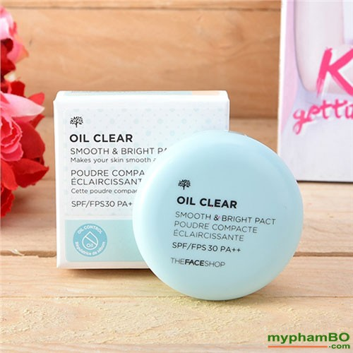 Phan phu kiem dau Oil Clear Smooth & Bright Pact TheFaceShop (4)