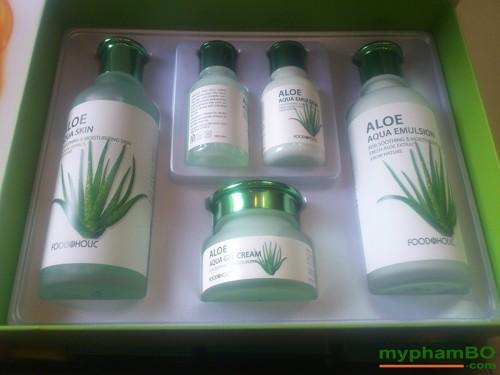 Bo my pham duong da lo hoi Foodaholic - Aloe Aqua Skin Care (1)