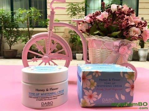 kem-duong-trang-da-dabo-honey-flower-tone-up-whitening-1