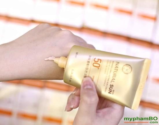 Kem chng nng Natural Sun Eco Power Long Lasting Sun Cream SPF50+ PA+++ (1)
