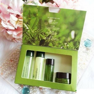 Bo-duong-da-tra-xanh-mini-Innisfree-Green-Tea-Special-Kit-4-in-1-2