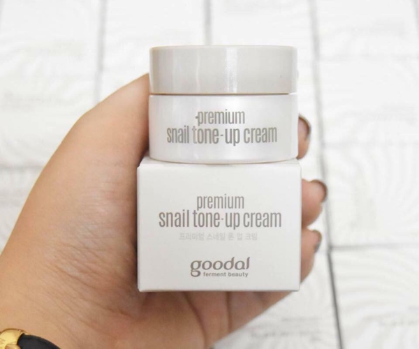 Kem duong oc sen Mini Goodal Premium Snail Tone-Up Cream 10ml (5)