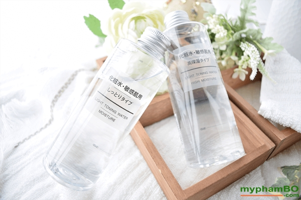 Nuoc hoa hong Muji Light Toning Water Light 200ml (1)(1)