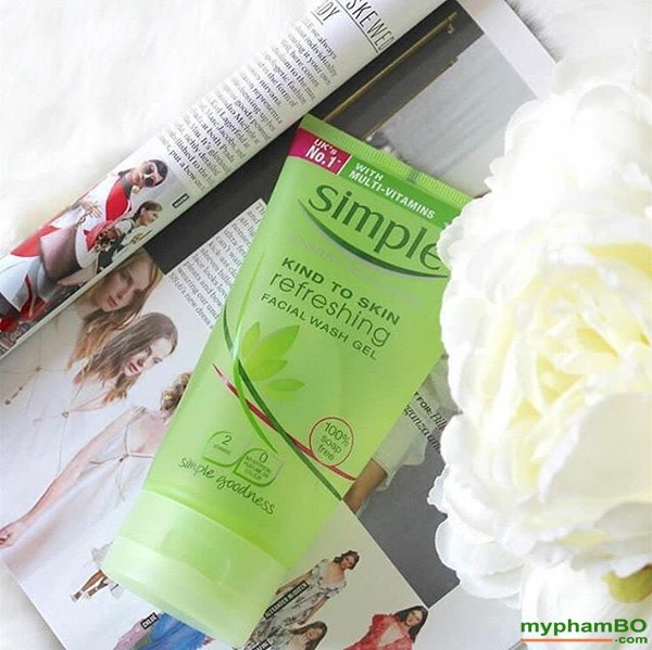 Sua rua mat dang gel - Simple Kind To Skin Refreshing Facial Wash Gel (2)