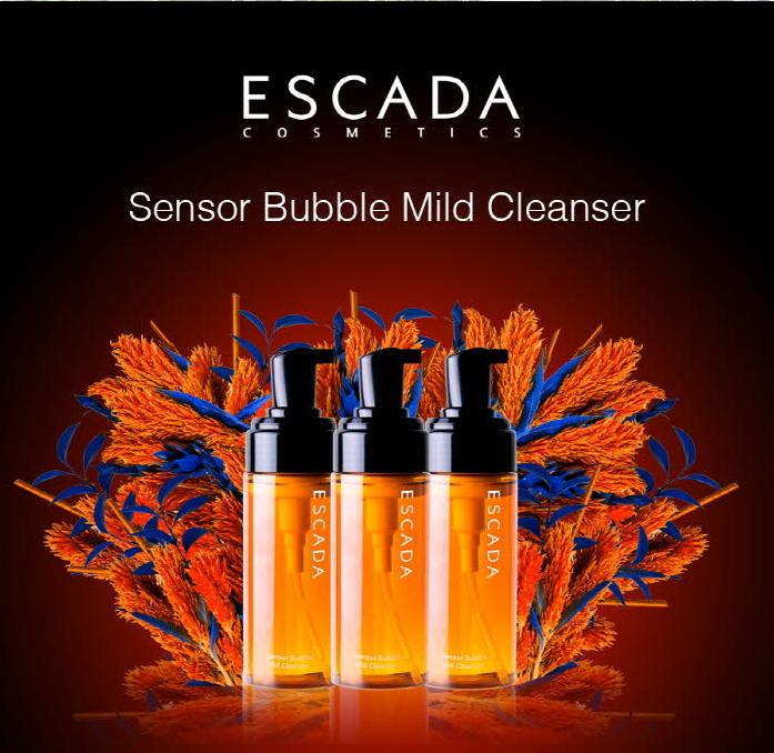 Tay Trang sui bot Escada Sensor Bubble Mild Cleanser (3)