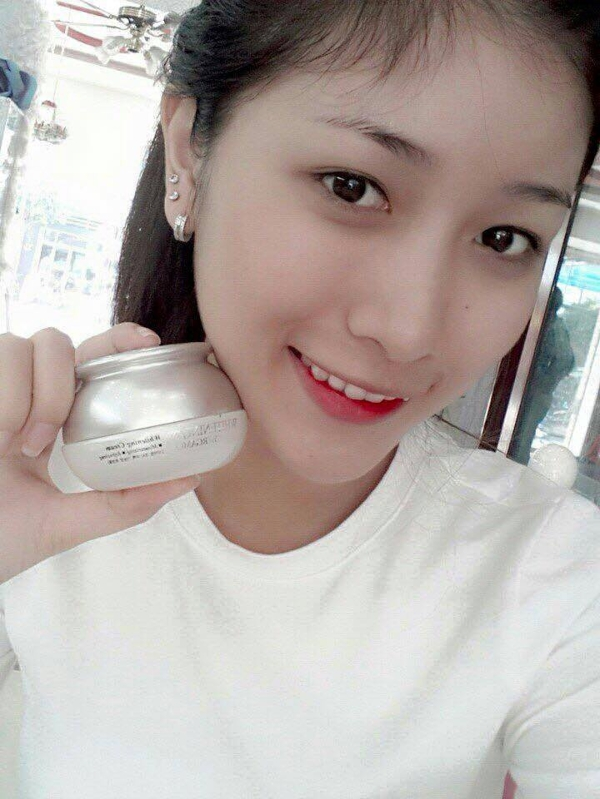 Kem duong trang da Bergamo Whitening EX Cream (4)