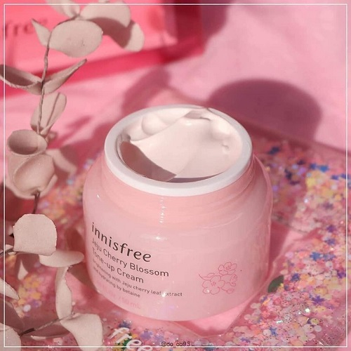 Thành phần chính kem dưỡng trắng Innisfree Jeju Cherry blossom