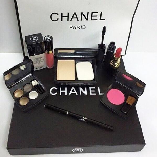 quy cách Bộ trang điểm Chanel 9 món cao cấp