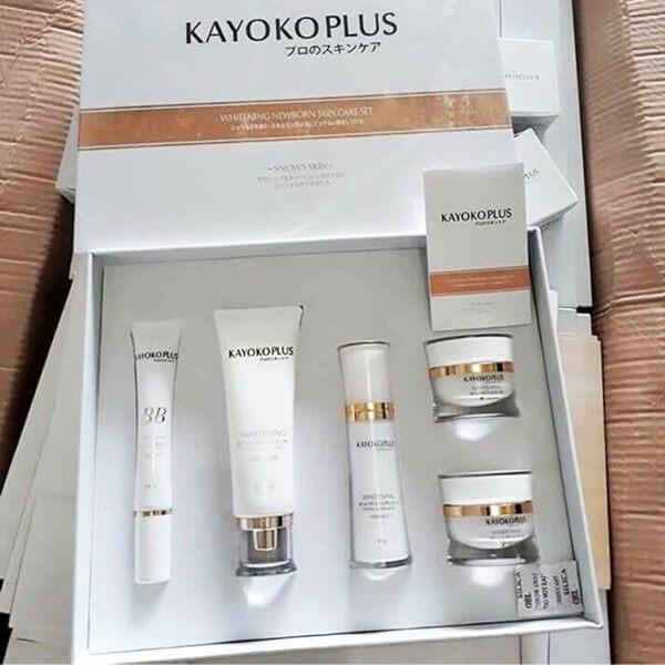 Kem ban Ngày Kayoko Plus Trắng 5in1 và nguyên bộ