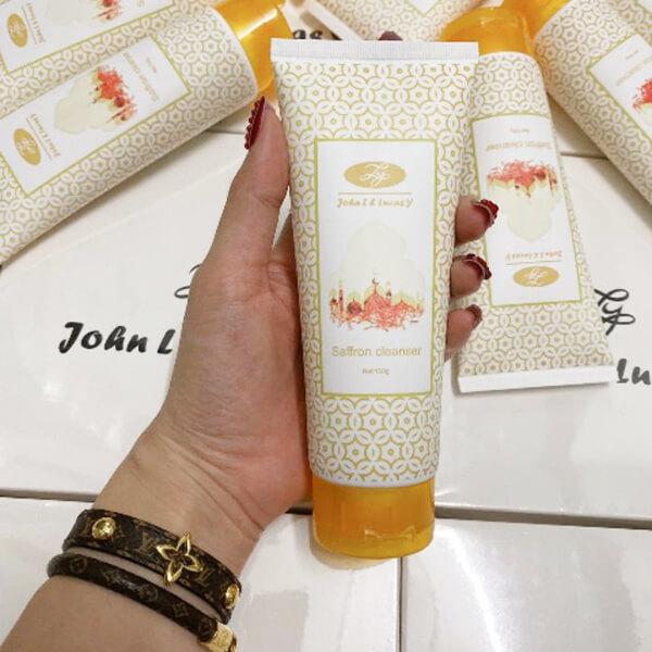 Sữa rửa mặt Saffron mask L&Y trị mụn trắng da - UK