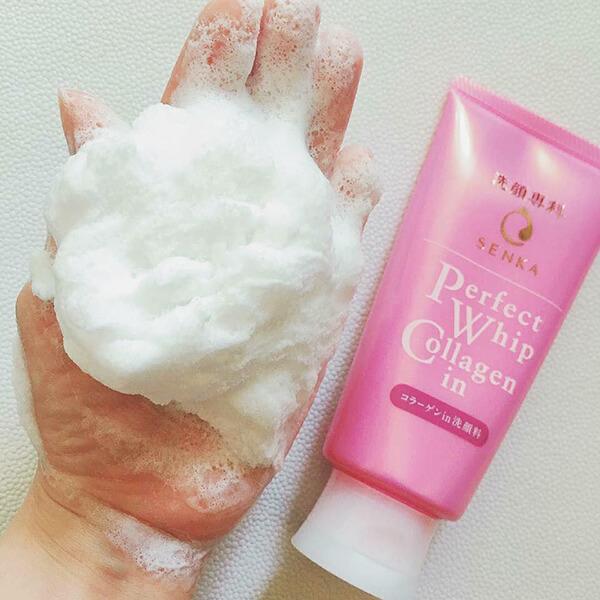 siêu nhiều bọt của Sữa rửa mặt Senka Perfect whip Hồng collagen in 120g của nhật